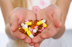 Прием антибиотиков - причина развития алопеции