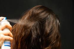 Укладка волос с использованием лака