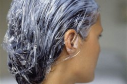 Нанесение глины на волосы