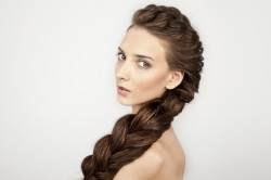 Богемная коса набок