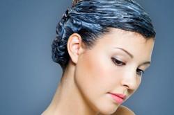 Нанесение кератиновой маски на волосы
