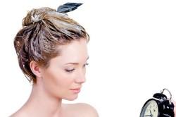 Нанесение ночной маски на волосы