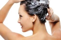 Мытье головы перед химической завивкой