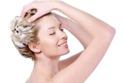 Мытье волос качественными шампунями