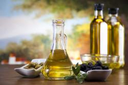 Оливковое масло для борьбы с перхотью