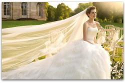 Свадебная прическа с длинной фатой