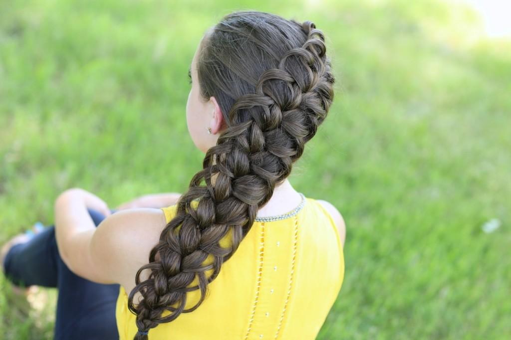 Связав меня длинными косами