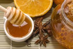 Корица с медом для высветления волос