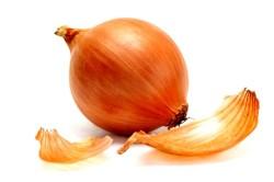 Использование луковой шелухи для укрепления волос