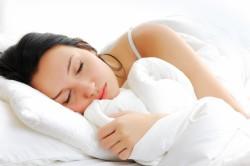 Польза здорового сна для роста волос