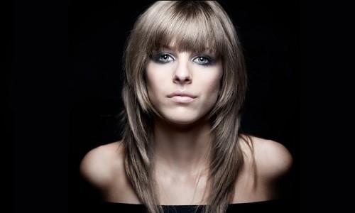 Дамские стрижки на средние волосы без